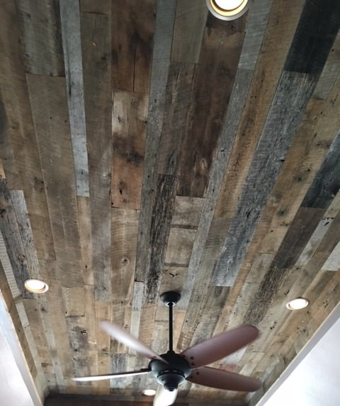 Mixed reclaimed wood ceiling
