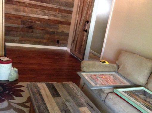 Dirty top wall/coffee table-oak flooring