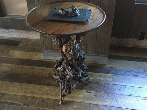 Circle sawn oak foors/wall-cedar springs hi rise