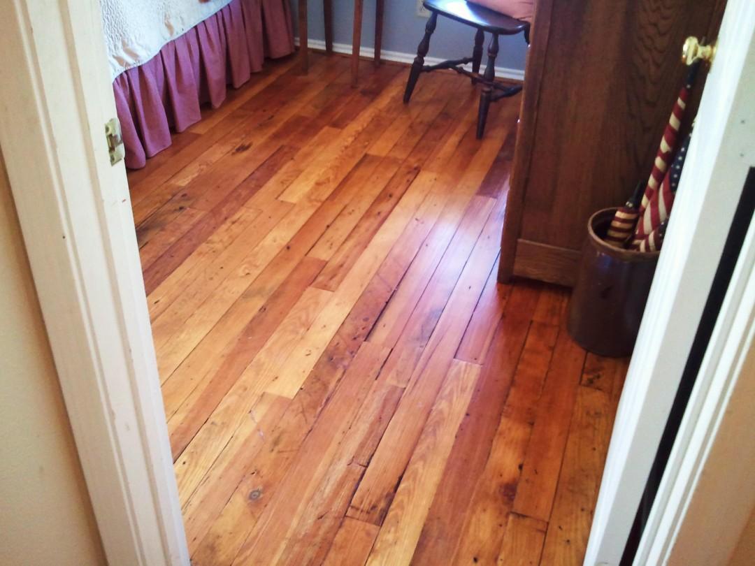 Pine Wood Floor – Bedroom